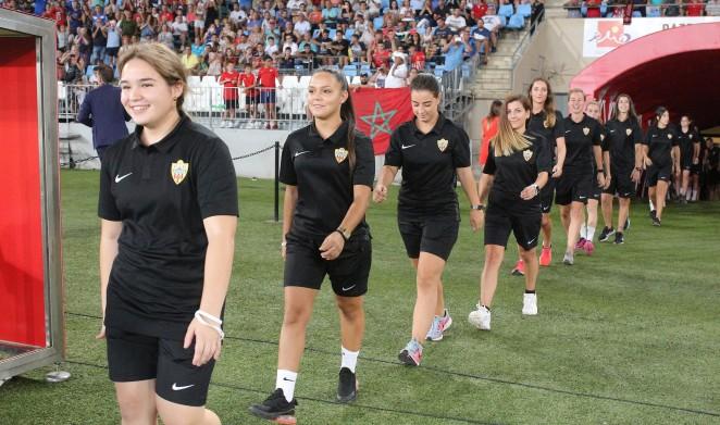 Las jugadoras del primer equipo.
