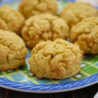 4-ingredient Coconut Flour Biscuits.