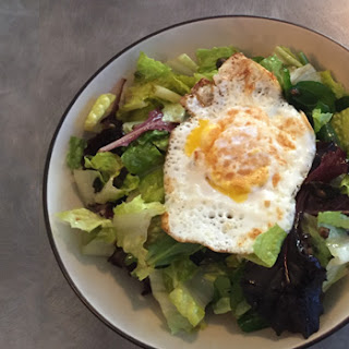 Fried Egg & Mixed Green Salad