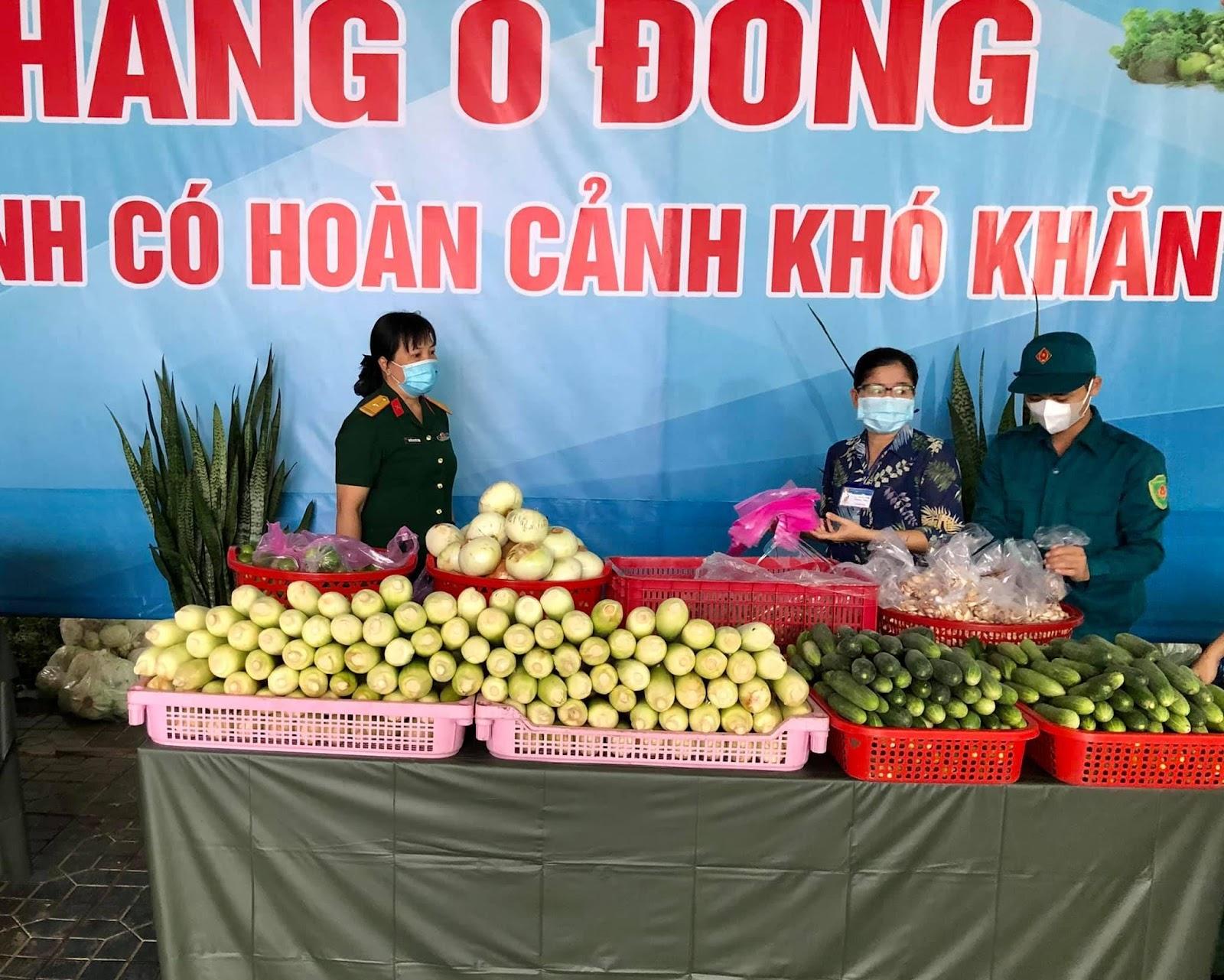 Gian hàng 0 đồng hỗ trợ người khó khăn tại Thành Phố Long Xuyên - An Giang