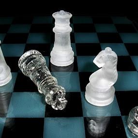 by Darko Žgela - Artistic Objects Other Objects ( chess, glass, šah )