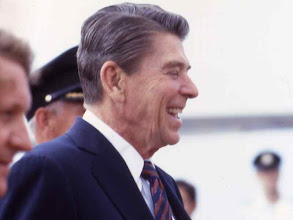 Photo: Ronald Reagan at Economic Summit, Ottawa