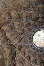 Photo: Chehel Sotoon - lubos.  Chehel Sotoon - the ceiling.