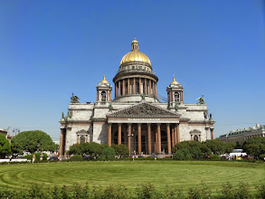 Photo: St. Isaac's is the largest cathedral in St.  Petersburg.  Peter the Great was born on the feast day of St. Isaac.  When Stalin was in power he wanted to blow it up.