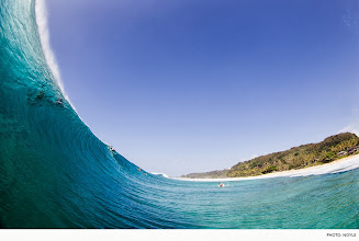 Photo: Photo of the Day: Pipeline, Hawaii. Photo: Noyle #Surfer #SurferPhotos
