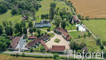 château à Souvigny (03)