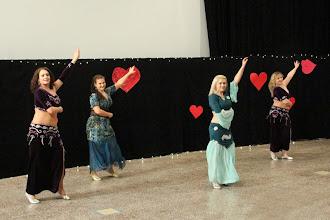 Photo: Haret el Sakkayen (kor. Khaled, tanssijat K. Heiskanen, R. Räsänen, K. Soini, A. Horning)