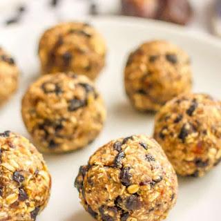 No-bake Blueberry Oatmeal Cookie Balls.