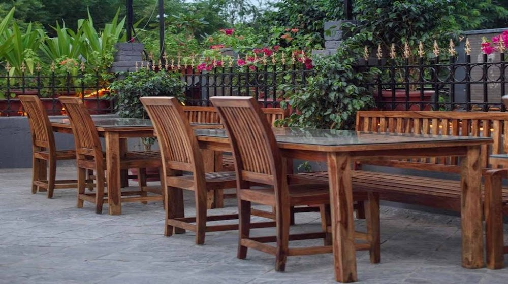 romantic-restaurants-in-south-delhi-auro-kitchen-and-bar_image