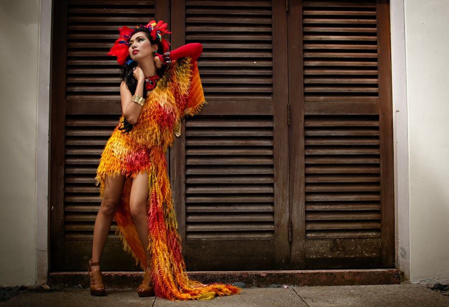 Lovebird by Gian Mark Quidasol - People Portraits of Women