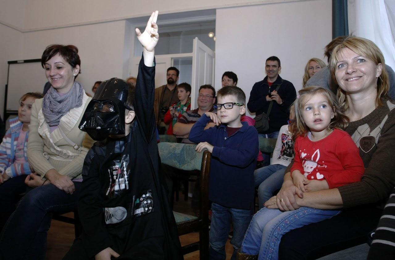 Kisfiú Dart Vader jelmezben Bugány János felvétele