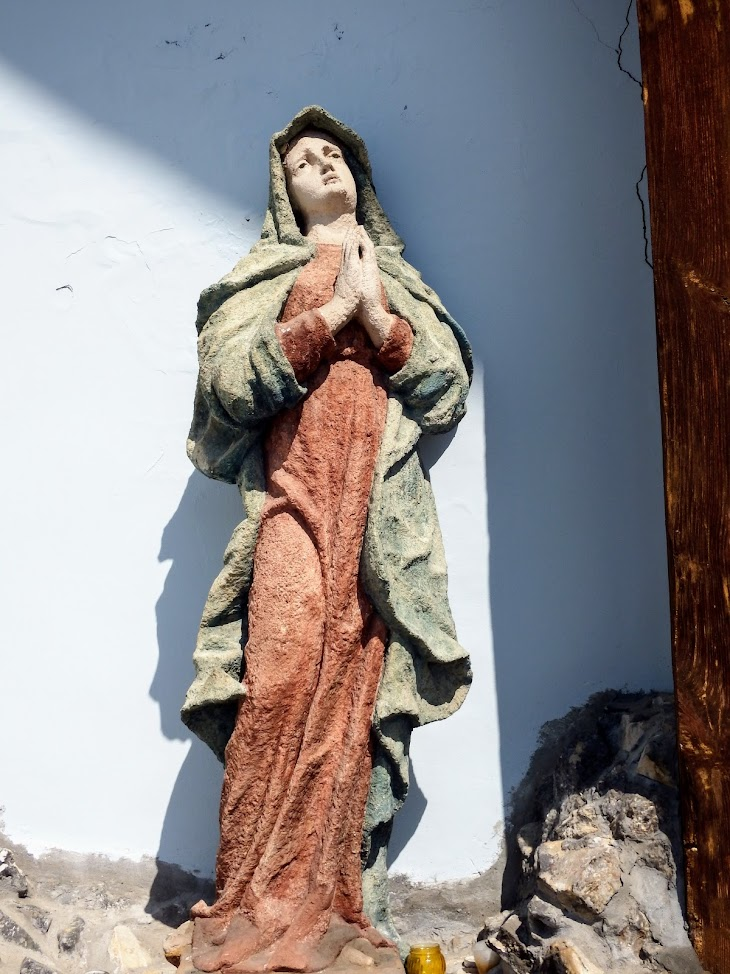 Pápa - Fájdalmas Anya kálváriatemplom és keresztút
