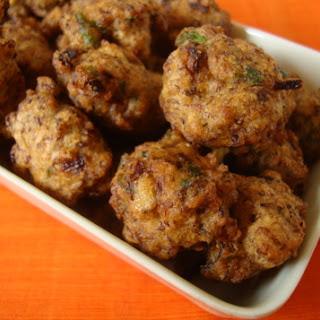 Pesara Pudina Punukulu ~ Moong Dal Mint Fritters