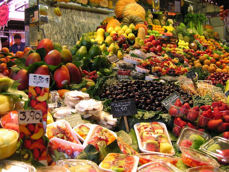 Mercato a Barcellona di archiviobesozzi