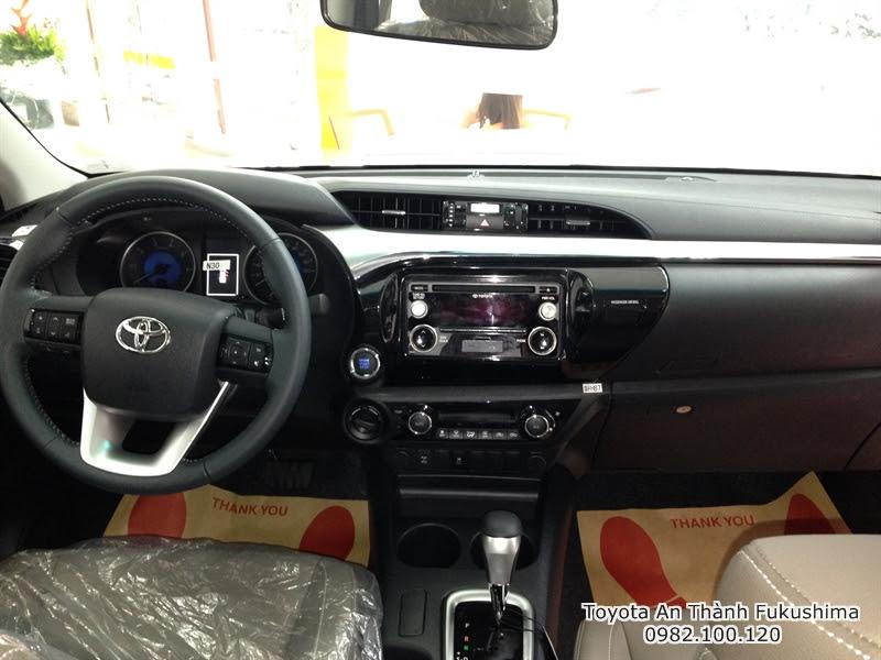 Ưu Đãi Giá Xe Bán Tải Toyota Hilux 2016 Nhập Khẩu 3