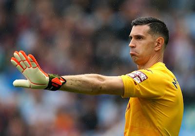 🎥 Hebben mind games van Martinez gewerkt? Doelman van Villa wil dat Ronaldo penalty trapt en ziet Bruno missen