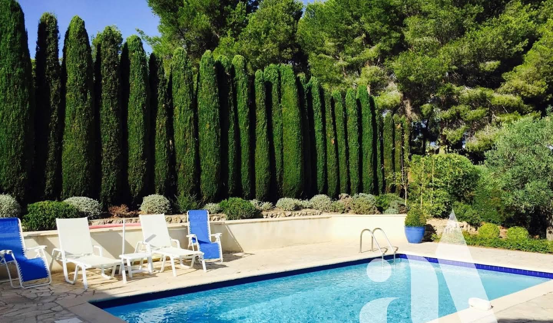Property with pool Maussane-les-Alpilles