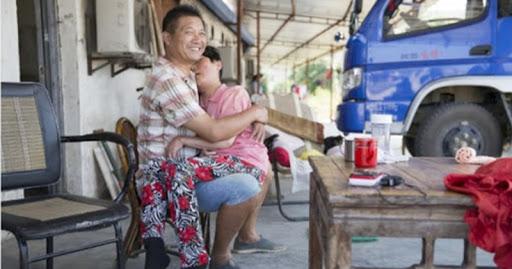 2 năm ăn Tết trong viện chăm vợ, giục về thì chồng bảo: Em ở đâu là nhà ở đó