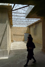 Photo: Girls visiting Emne Sureke (Red Prison), Suleymaniya 2015