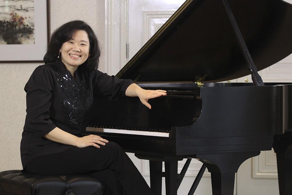 Claudia Yang