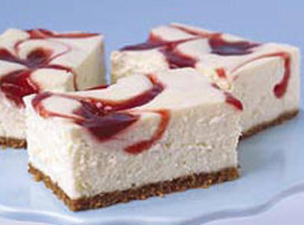 New York-style Strawberry Swirl Cheesecake Recipe