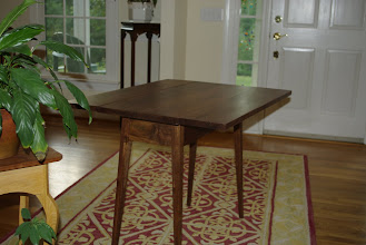 Photo: In this flash photo, you can see a little bit of the apron of the table base.