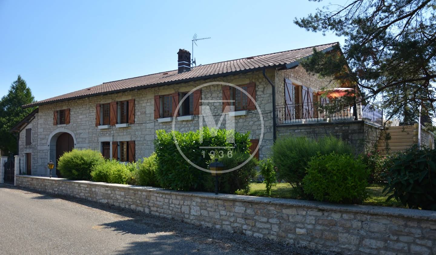 House with pool and terrace Bourg-en-Bresse