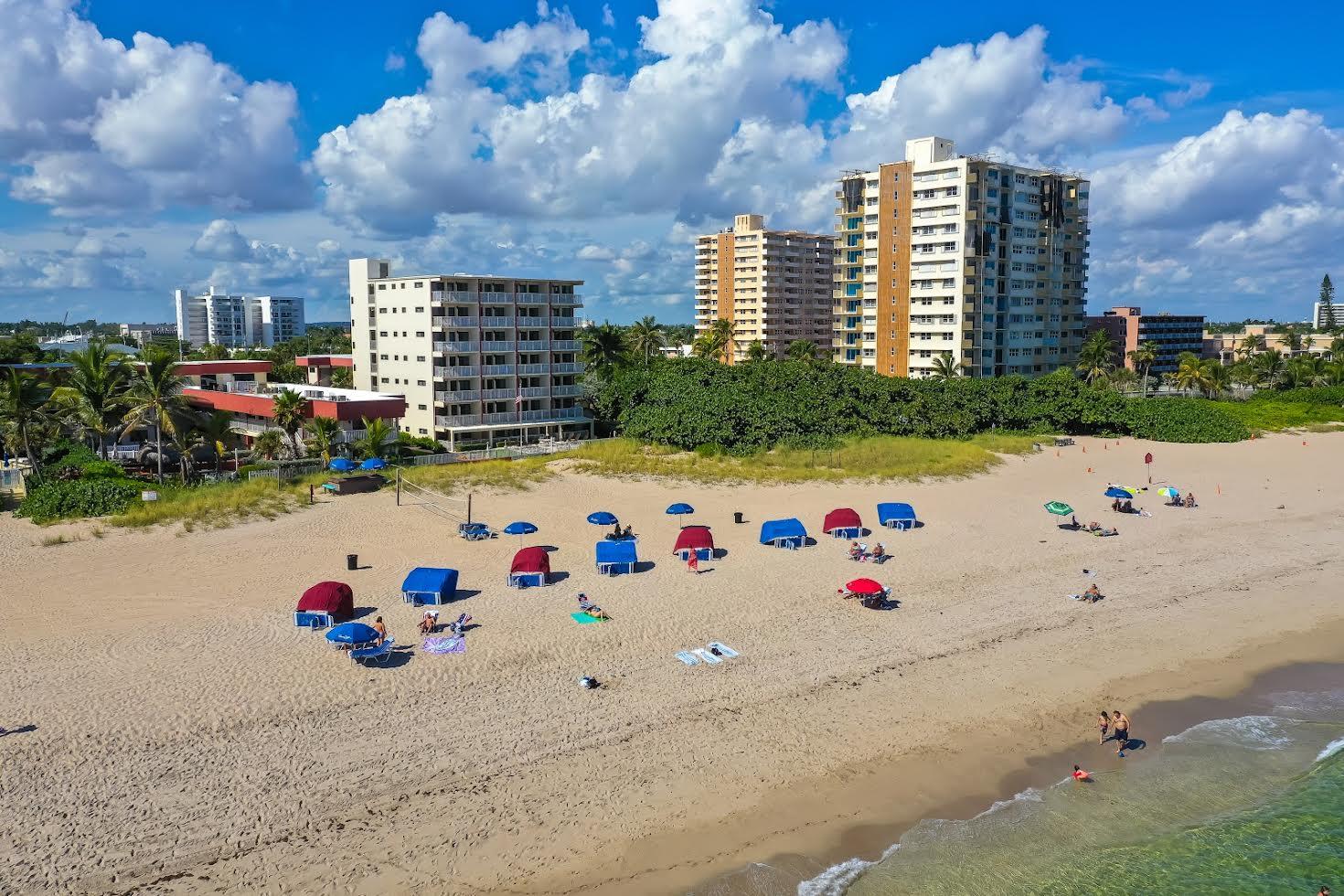 La Costa Beach Club Picture Number 1
