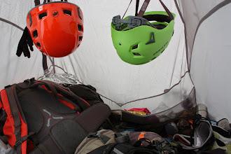 """Photo: Mamuty w celu optymalizacji miejsca trafiły na """"poddasze"""". Rozmiar namiotu 220x135cm."""
