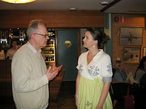 Photo: Arrangörs-Linda och Stig från Spinnrockar & Sånt - den senare hade uppskattade workshop hela helgen.