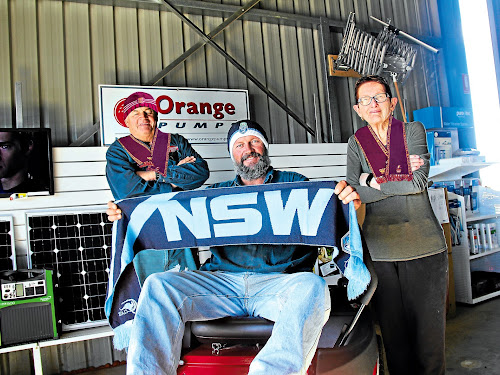 Who weel Win?: Weel Sheds' Wayne, Shane and Maree Wheeler are excited for tomorrow night's big game.