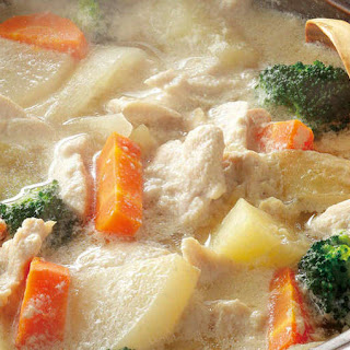 Soy Milk Hotpot with Chicken Breast and Chunky Vegetables