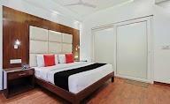 Capital O 2242 Hotel Yuvraj Deluxe photo 9