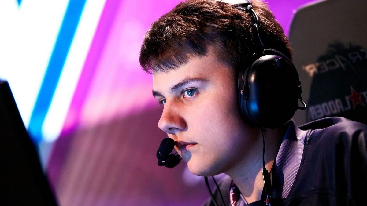 iLTW formerly used to play for huge organizations like Live to Win, and Virtus.pro