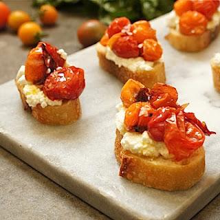 Honey Balsamic Caramelized Tomato Crostini