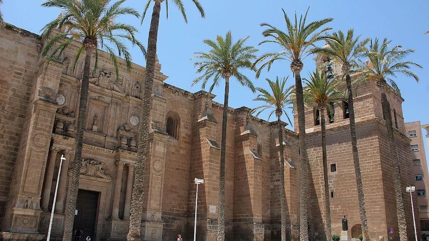Catedral de Almería es el centro neurálgico de la Semana Santa almeriense el Miércoles Santo.
