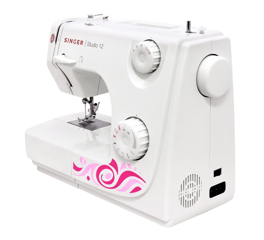 Швейная машина JANOME SINGER Studio, передняя и правая части