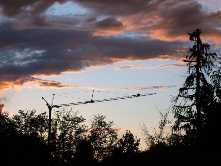 tramonto sul cantiere di happy