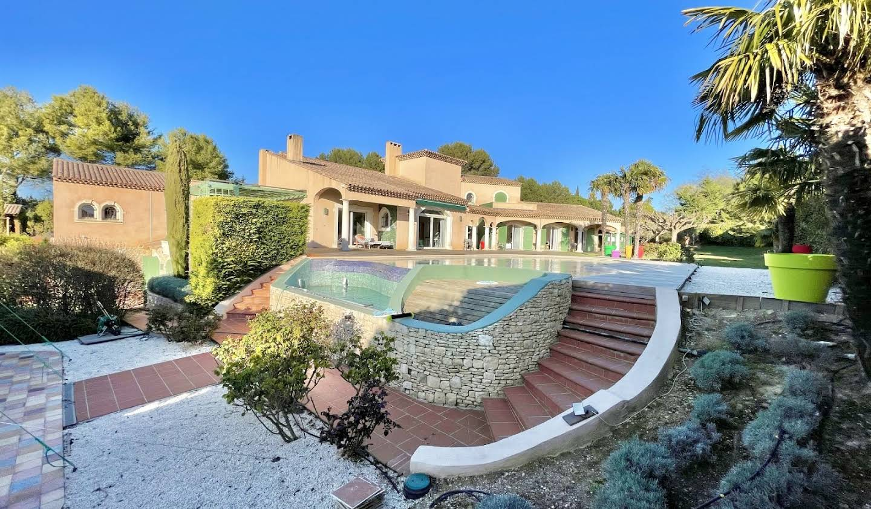 Villa avec piscine et terrasse Aix-en-Provence