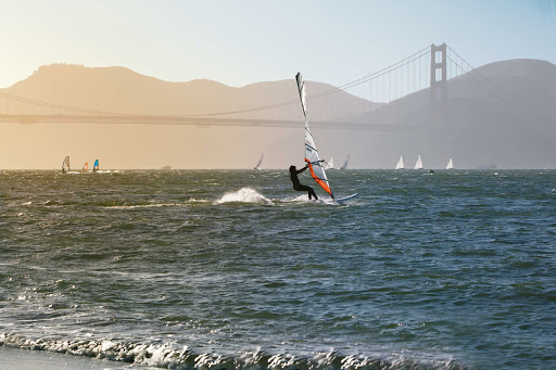 San-Francisco-Bay-windsurfing - Windsurfing in San Francisco Bay with the Golden Gate Bridge as a backdrop.