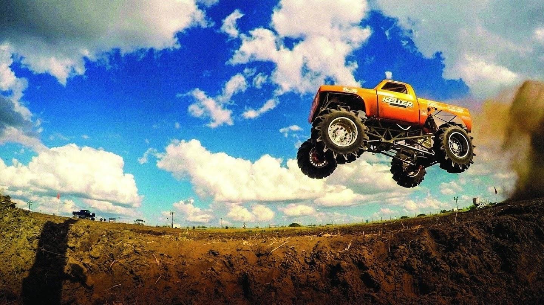 Watch Mega Truck Show live