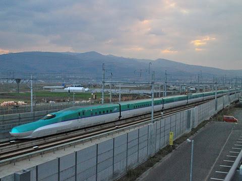 JR北海道 H5系新幹線電車「はやぶさ」 新函館北斗にて_01