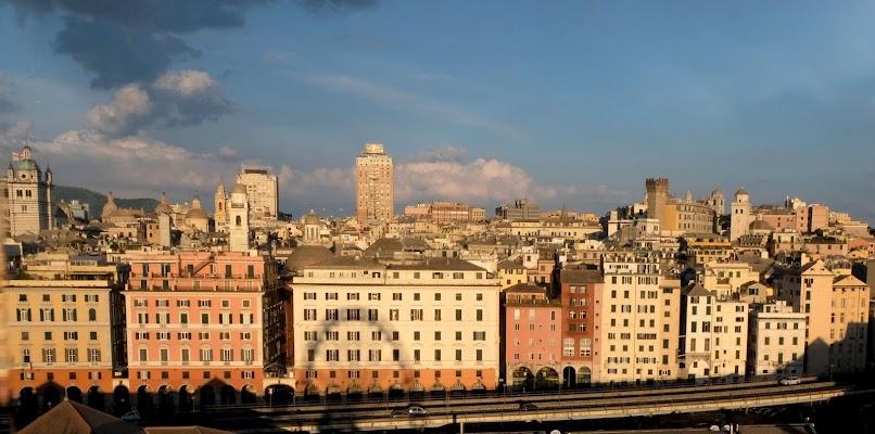 Genova per noi di Elisabetta Castellano