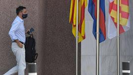 Josep María Bartomeu, entrando en las oficinas del FC Barcelona en una imagen de archivo.