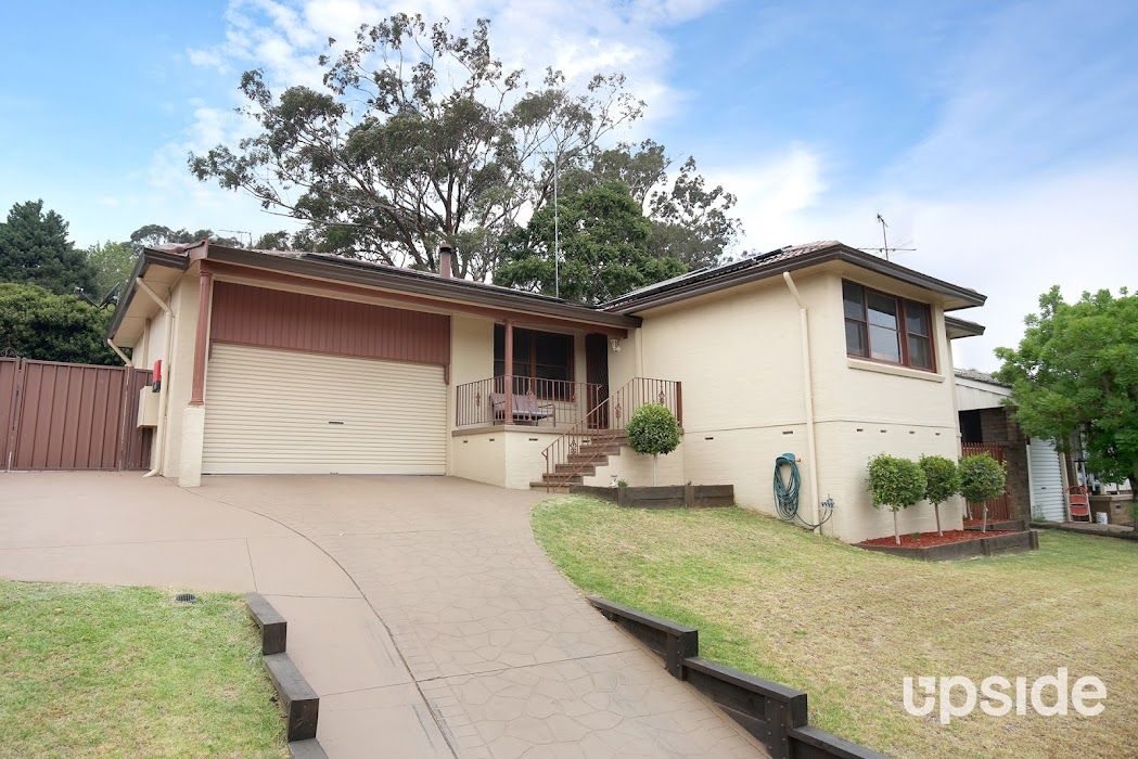 Main photo of property at 26 Kooloona Crescent, Bradbury 2560