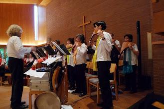 Photo: Panflöten Chor in voller Aktion