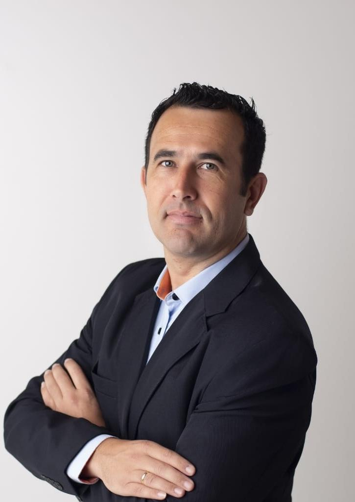 Roberto Aguiar