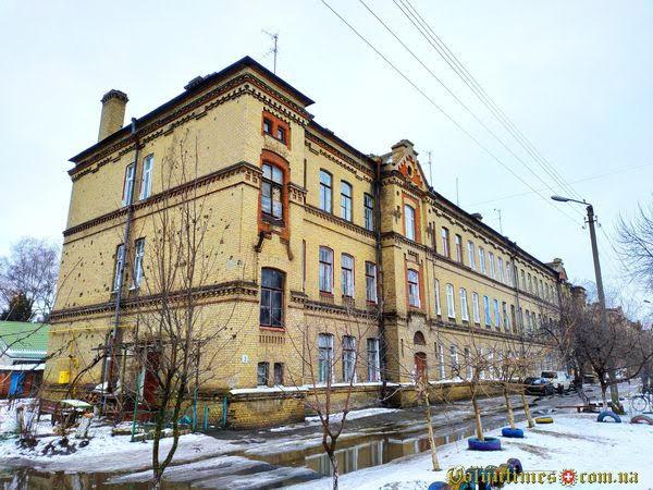 Вул. Коновальця, 3 Фото: Ілля Сметанін