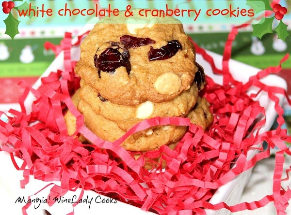 White Chocolate Chips & Cranberry Cookies Recipe