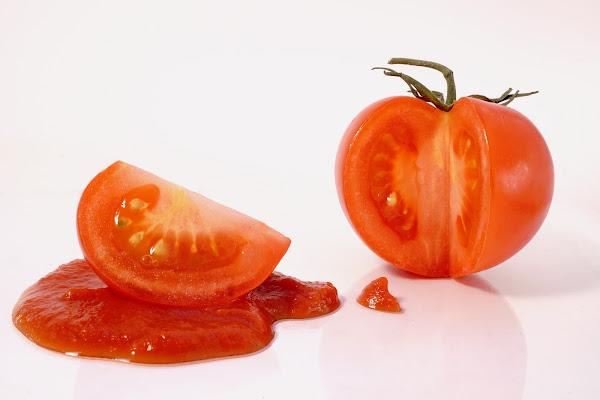 sei rosso come il pomodoro!!! di lorenzo_raccagni